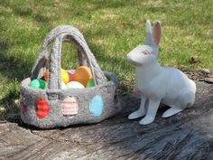 Resweater: Tutorial Tuesday - recycled wool Easter basket!