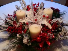 Christmas centerpiece I made Light Decorations, Table Decorations, Table Arrangements, Christmas Centerpieces, Interior Paint, Bird Houses, Pillar Candles, Christmas Wreaths, Holiday Decor