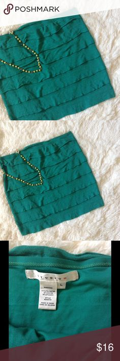 """Studio M Macy's Green Tiered Skirt L NWOT Lovely brand new, never worn Studio M green tiered skirt size L. I removed tags but never wore. 77% polyester, 18% rayon and 8% spandex. Approximately 16"""" waistband and 16.5"""" length. Color leans toward teal. Studio M Skirts"""