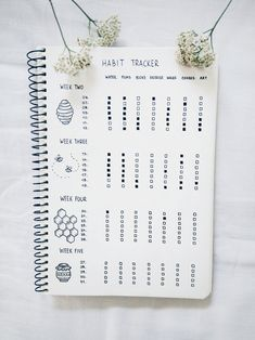 Easy Bullet Journal Ideas To Well Organize & Accelerate Your Ambitious Goals Bullet Journal Minimalist, Bullet Journal Cover Ideas, Bullet Journal Tracker, Bullet Journal Lettering Ideas, Bullet Journal Notebook, Bullet Journal School, Bullet Journal Themes, Bullet Journal Inspo, Bullet Journal Spread