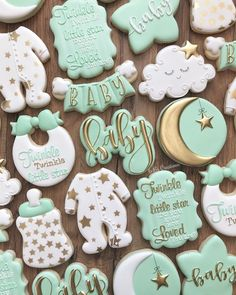 Twinkle twinkle little star baby shower cookies This was such a sweet set to work on with all of the delicate details Twinkle twinkle little star baby shower cookies This was such a sweet set to work on with all of nbsp hellip Shower boy cookies Gateau Baby Shower, Deco Baby Shower, Baby Shower Sweets, Baby Shower Cookies, Baby Shower Biscuits, Baby Shower Favours, Baby Shower Balloons, Shower Gifts, Baby Shower Decorations
