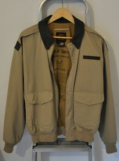 AVIREX Chaqueta Jacket AVIREX Type A-2 - Talla L - Como nueva LIKE NEW Shops, Military Jacket, Jackets, Fashion, Adventure, Down Jackets, Moda, Tents, Field Jacket
