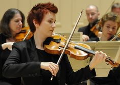 Aisslinn Nosky, concertmaster of The Handel and Haydn Society. She talks about the beauty of Baroque music and more here: http://www.violinist.com/blog/laurie/201412/16463/