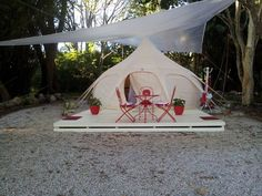 Mira's awesome #lotusbelletents platform in Byron Bay www.lotusbelle.com.au Lotus Belle Tent, Tent Living, Cabin Tent, Bell Tent, Yurts, Meditation Space, Vintage Trailers, Byron Bay, Yard Ideas