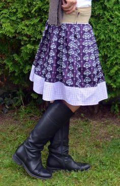 Die schönen Röcke der Rockmacherin gehen mir einfach nicht aus dem Kopf. Nachdem mein erster Versuch mir einen solchen Rock selber zu nähen leider nicht ganz geklappt hatte (meine Freundin trägt ih…