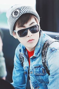 """Exo - Xiumin """"Look at this cool guy :D"""""""