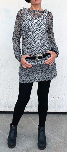 Top in Tulle - Maglietta Trasparente - Maglia Lunga - Maglia Tulle - Mini Abito - Vestito Tulle Ricamato - Maglia Sabbia e Blu - Abito Corto di atelierPop su Etsy
