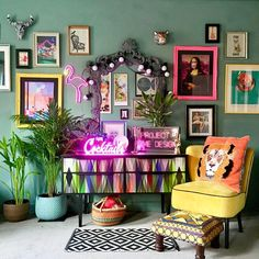 - Choosing homewares for your eclectic interior design can be tricky. If done in a very subtle way, the whole effect may be dull and boring. If it becom. eclectic home decor 99 Popular Eclectic Interior Design Ideas To Inspire You Quirky Home Decor, Eclectic Decor, Cheap Home Decor, Eclectic Design, Quirky Living Room Ideas, Neon Home Decor, Eclectic Frames, Eclectic Gallery Wall, Deco Originale