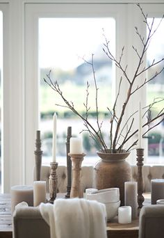 Oud houten kandelaars hoffz www.nl decor, ideas, ways to display. Interior And Exterior, Interior Design, Blue And Green, Linens And More, Love Your Home, Cozy Corner, Candle Lanterns, Home Decor Inspiration, Decor Ideas