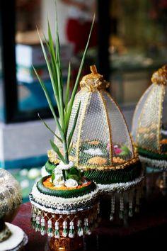 Thai wedding Wedding Reception Food, Wedding Themes, Wedding Designs, Wedding Ideas, Flower Decorations, Wedding Decorations, Table Decorations, Wedding Cake Roses, Khmer Wedding