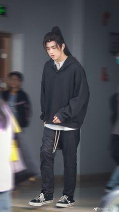 Zhou Qi, Handsome Actors, Chen, Husky, Normcore, Asian, Boys, Girls, Sweatshirts
