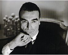 Cristobal Balenciaga is a big fan of opulent glamour. He went on the opposite direction of Dior. He did sleeker silhouettes and less emphasis on the waist.