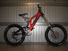 Armageddon days are here (again! Bicycle News, Bmx Bicycle, Mtb Downhill, Dh Velo, Mountain Bike Pedals, Mountain Biking, Bike Hitch, Montain Bike, Mt Bike