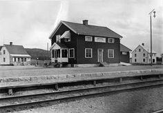 Värmland Eda kommun Koppom Järnskog Beted Beteds station 1930, med kafét t.v och affären t.h. Ca 1930