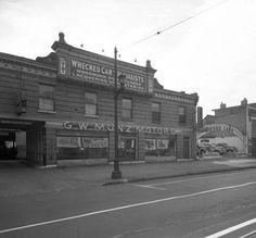 G.W, Munz Motors 909-913 E. Broadway St. (across the street from Ballards Mill) Louisville, Ky, 1940