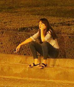 Around Louvre, Paris And 🎬🚲 Dakota Johnson Smoking, Dakota Johnson Street Style, Dakota Jhonson, Women Smoking Cigarettes, Ana Steele, Dakota Mayi Johnson, Gone Girl, Cute Couples Goals, Mode Vintage