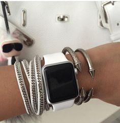 Best luxury Apple watch bands, Iphone cases and fashion for both men and women. We carry luxury affordable unique products from bags to jewelry and accessories. Bracelet Apple Watch, Smart Watch Apple, Cute Apple Watch Bands, Apple Watch Series 3, Apple Watch Bands Fashion, Rose Gold Apple Watch, Apple Watch Accessories, Pandora, Fashion Watches