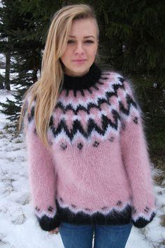 Icelandic mohair crewneck sweater pink -M-L Cute Sweaters, Girls Sweaters, Wool Sweaters, Fluffy Sweater, Angora Sweater, Burgundy Sweater, Pink Sweater, Fair Isle Knitting Patterns, Sweater Patterns