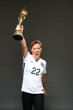 Meghan Klingenberg, outtakes from Sports Illustrated commemorative World Cup covers. (Simon Bruty/Sports Illustrated)