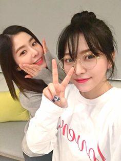 Red Velvet - Irene  Yeri  #redvelvet #reveluv #irene #yeri #kpop #selca #selfie