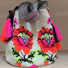 Wayuu Mochila bag ❤️ ... Jippy Gees model . . hi!. Ꮙiʋ.✿ https://br.pinterest.com/vivcviv35/