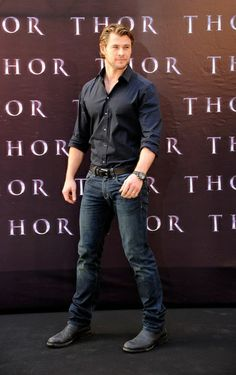 chris hemsworth, I see you there barely fitting your quads into those pants!