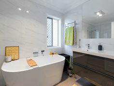 Bathroom Bathtub, Homes, Bathroom, Places, Standing Bath, Washroom, Houses, Lugares, Bathtubs