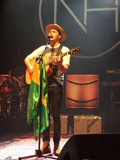 Niall Horan Brasil 2017 Niall Horan 2017, Irish Blessing, James Horan, One And Only, Beautiful Boys, Crushes, Sunshine, People, Brazil Flag