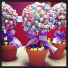 Candy Table Centerpieces---great for any birthday party! Candy Table Centerpieces, Party Table Decorations, Party Themes, Party Ideas, Sweet 16 Centerpieces, Candy Theme Decorations, Dessert Tables, Diy Party, Lollipop Centerpiece
