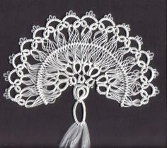 tatting pattern - Mock Hairpin Lace Fan http://needles-n-shuttles.com/MockHairpinLaceFan.aspx
