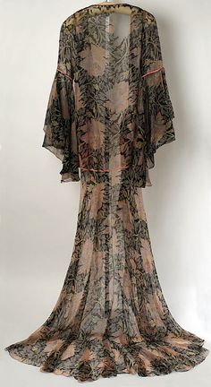Tea gown Jessie Franklin Turner  (American, 1881–ca. 1956)   Date: 1926 Culture: American Medium: silk. Back