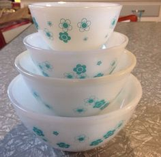 Turquoise flowers mixing bowl set Agee Crown Pyrex.