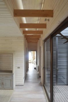 cross boards in a hallway Flat Roof, House Front, House Floor Plans, My Dream Home, Interior Architecture, Stairs, House Design, Flooring, Outdoor Decor
