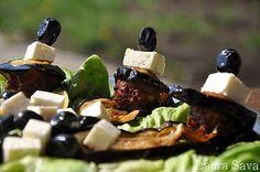 Chiftelute de miel Romanian Food, Romanian Recipes, Dairy, Cheese, Traditional, Honey