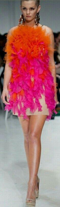Living In Orange & Pink Orange Fashion, Pink Fashion, Colorful Fashion, Fashion Show, Fashion Looks, Women's Fashion, Pink Love, Bright Pink, Hot Pink