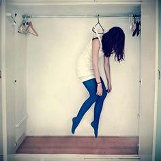 Left Hanging, photography by Lara Zankoul.