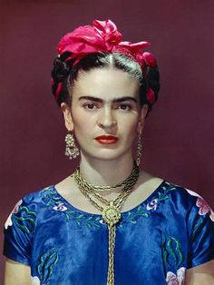 Frida Kahlo, photo by Nickolas Muray, New York, 1939