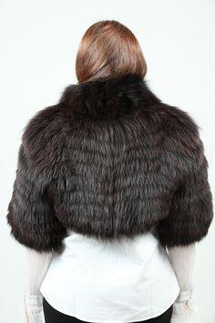 Boléro en Renard Marron et Noir Saga Furs http://www.fourrure-privee.com/fr/fourrures/vestes-gilets/gilet-de-renard-argente-825