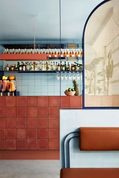 Studio Esteta Designs Interior of Fonda Bondi Studio Esteta's design approach for Fonda Bondi celebrates the fun, bright and youthful brand personality of the Melbourne-based Mexican street food eatery. Cafe Interior, Kitchen Interior, Interior And Exterior, Brewery Interior, Interior Paint, Commercial Design, Commercial Interiors, Modern Interior Design, Interior Architecture