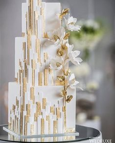 House of Mirrors - Dessert Hochzeit - Wedding Elegant Wedding Cakes, Beautiful Wedding Cakes, Gorgeous Cakes, Wedding Cake Designs, Pretty Cakes, Cake Wedding, Trendy Wedding, Wedding Cake Square, Wedding Parties