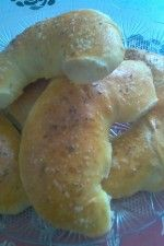 Cornuri de brutar by clauaime22 Bagel, Hamburger, Pancakes, Bread, Breakfast, Food, Morning Coffee, Eten, Hamburgers