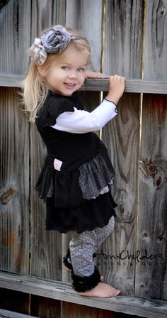 This is the CUTEST outfit for a toddler girl!  <3