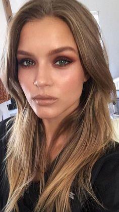 51 trendy makeup looks party make up Skin Makeup, Beauty Makeup, Hair Beauty, Makeup Style, Makeup Eyebrows, Eyeshadow Makeup, Eye Brows, Beauty Bay, Flawless Makeup