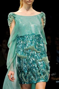 Aqua and turquoise Dress of the sea Alberta Ferretti Fashion Week, High Fashion, Womens Fashion, Milan Fashion, Chanel Couture, Couture Fashion, Dress Vestidos, Fashion Details, Fashion Design