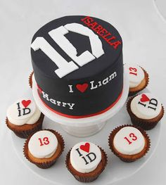 Little Robin: Another....One Direction Cake!