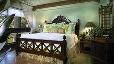 Bright Tropical Master Bedroom Design Ideas