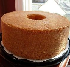 This Old Fashioned Sour Cream Pound Cake has a beautiful golden sugary crust and is fluffy yet dense inside. And the vanilla and almond flavor combo is to die for! Almond Pound Cakes, Pound Cake Recipes, Grandma's Pound Cake Recipe, Brownie Recipes, Just Desserts, Dessert Recipes, Old Fashioned Pound Cake, Chocolate Pound Cake, Chocolate Tarts