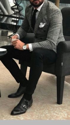 Casual Man (Jeans, Shorts, T-Shirts – Jonathan Alonso Webpage : www…. Casual Man (Jeans, Shorts, T-Shirts – Jonathan Alonso Webpage : www. Mode Masculine, Classy Suits, Classy Casual, Mens Classy Outfits, Classy Man, Classy Style, Smart Casual, Blazer Outfits Men, Men's Outfits