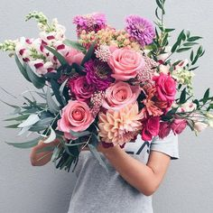 crazy beautiful wedding bouquet with roses, dahlias and snapdragon / flora / floral invitation / flowers Bloom, Fresh Flowers, Pretty Flowers, Peach Flowers, Beautiful Flower Bouquets, Flowers Bunch, Beautiful Flower Arrangements, Pastel Flowers, Most Beautiful Flowers