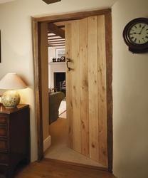 Solid Rustic Oak | Internal Hardwood Doors | Doors & Joinery | Howdens Joinery